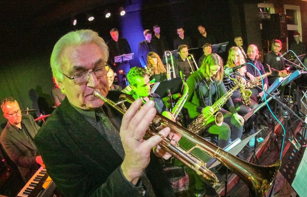 Jazzclub Hamm e. V - X-mas Jazz des Jazz-Club Hamm im Hoppegarden, Klaus Heimann mit BigBand , Hoppegarden, Hamm, Ruhrgebiet, Nordr